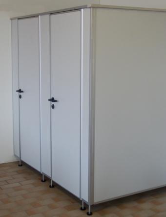 WC-Trennwände, preiswert direkt vom Hersteller - WC-Trennwaende24.de
